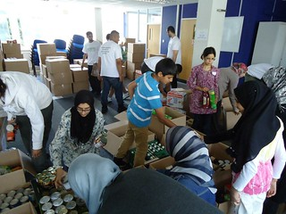 Al Mizan Trust Ramadan food parcel collection   by BritIslam