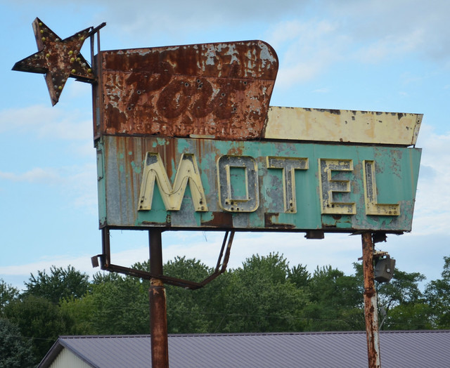 Port Motel Sign