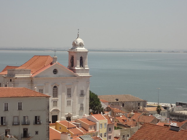 Vista do Miradouro de Santa Luzia, Lisboa, Portugal