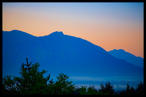 summer fog sunrise outdoor august hdr snoqualmie 2012 lightroom photomatix ef24105mmf4lisusm topazadjust topazdenoise canoneos5dmarkiii