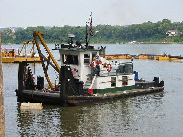 a2g078b: Buddy waiting to move dredge anchor