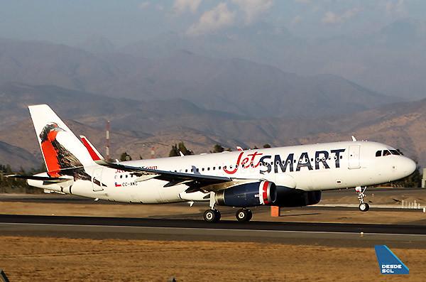 JetSMART A320 CC-AWC take off SCL (RD)