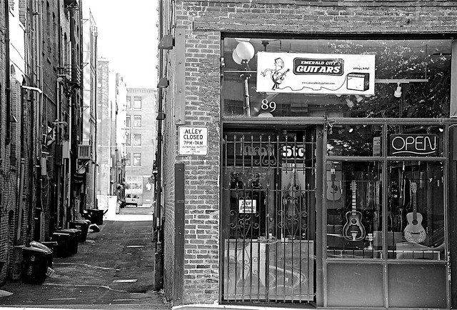 ALLEY CLOSED - GUITARS OPEN