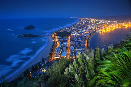 bayofplenty mountmaunganui newzealand northisland bluehour nz pacific beach dusk kiwi sunset winter