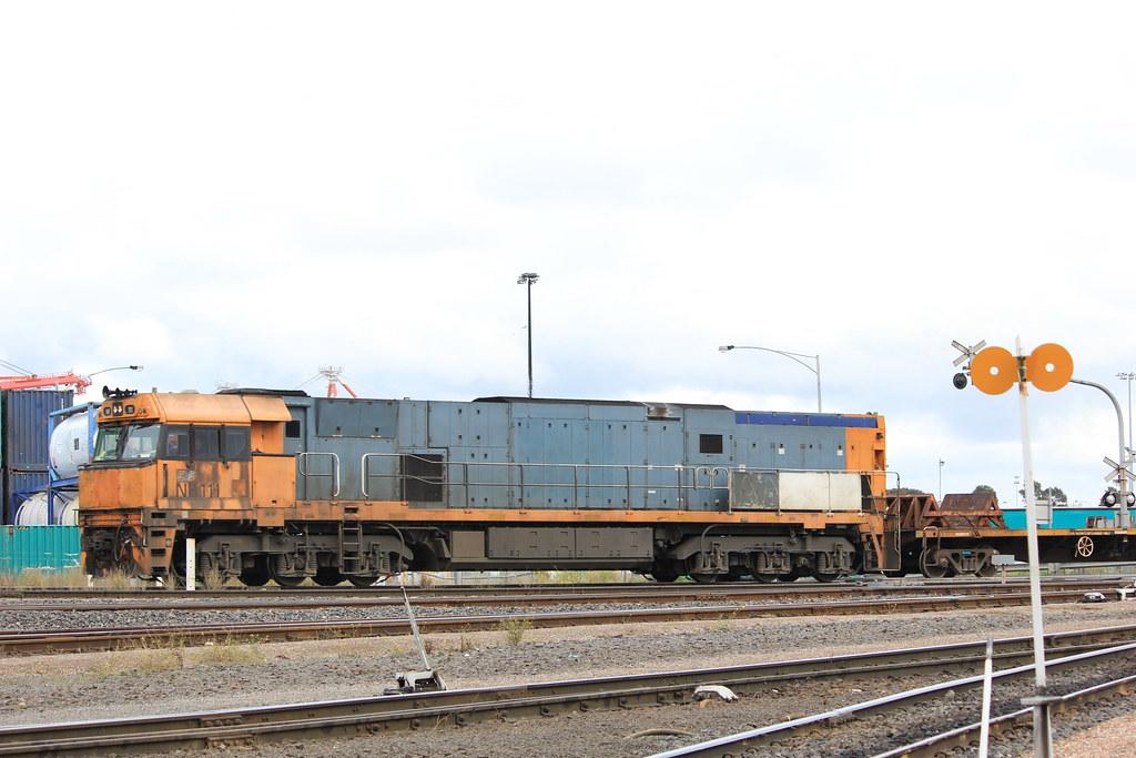 NR111 arrive back from Somerton on the steel shunt by bukk05