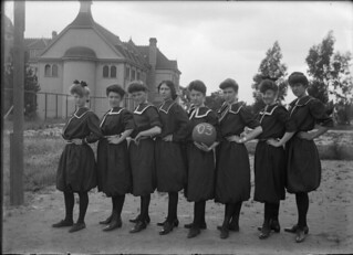 Women's Basketball team at Pomona College (1903) - The first women's college basketball team in Southern California