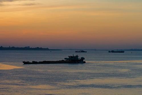 water sunrise river dawn asia cambodia southeastasia cloudy phnompenh mekong sisowathquay mekongriver