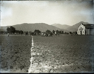 Football game between seniors and frosh (1901)