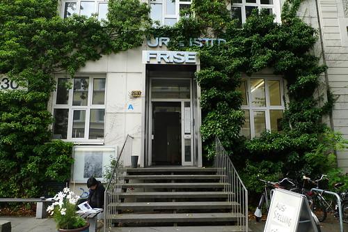 Eingang Künstlerhaus Frise im August 2012