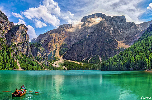 Lago di Braies - Pragser Wildsee, mt.1.496 s.l.m (Acque color smeraldo - Emerald waters)