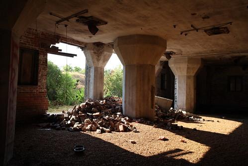 urban abandoned decay columbusohio eastmainstreet urbex landmarkgrainelevator