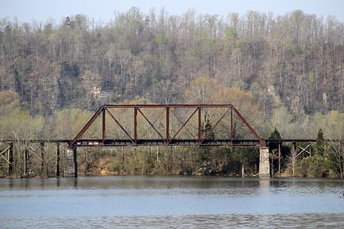 historicbridge abandonedbridge railroadbridge trussbridge throughtruss thrutruss pratttruss prattthroughtruss tennesseecentralrailway americanbridgecompany marrowbonecreek cheathamcounty tennessee