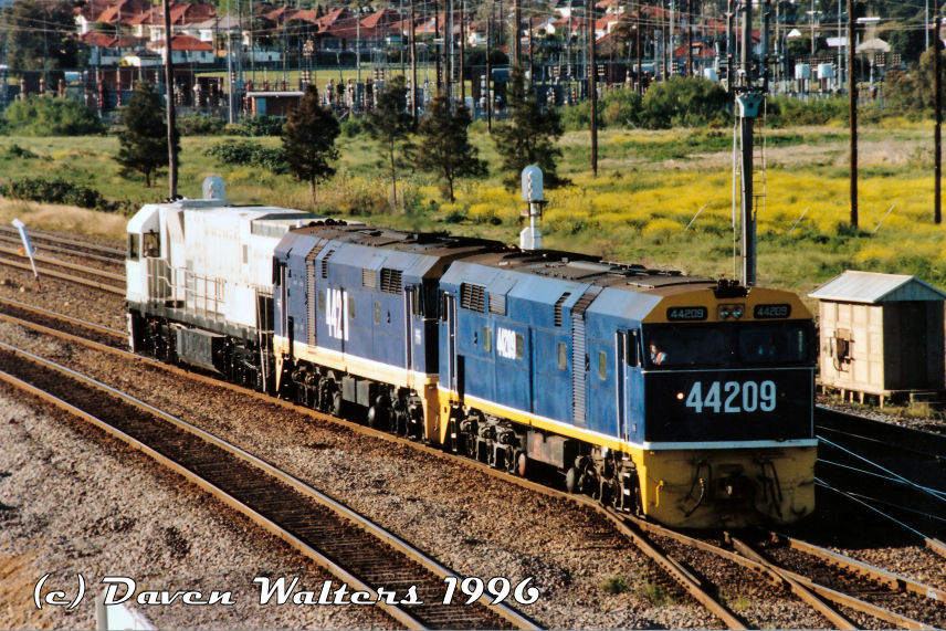 44209 44211 NR1 D301 Light Engine Trial Warrabrook 23 09 1996 by Daven Walters