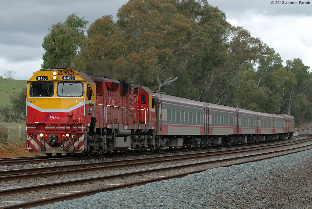 N453 between Broadford and Tallarook with 8615 by James Brook