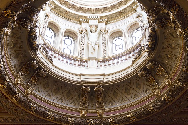 Dome in Founder's Entrance Hall, Fitzwilliam Museum, Cambridge, England