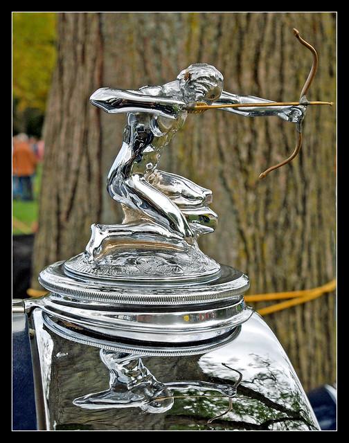 1931 Pierce-Arrow archer