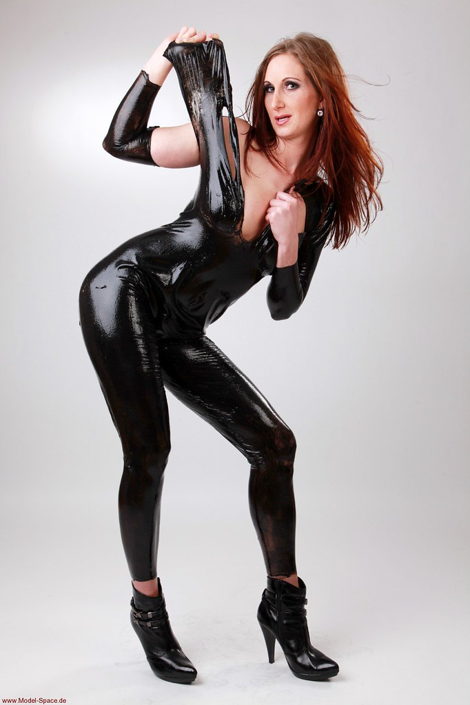 lucy nude Latex