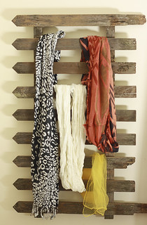 DIY Fence Scarf Storage | by Craft Pond