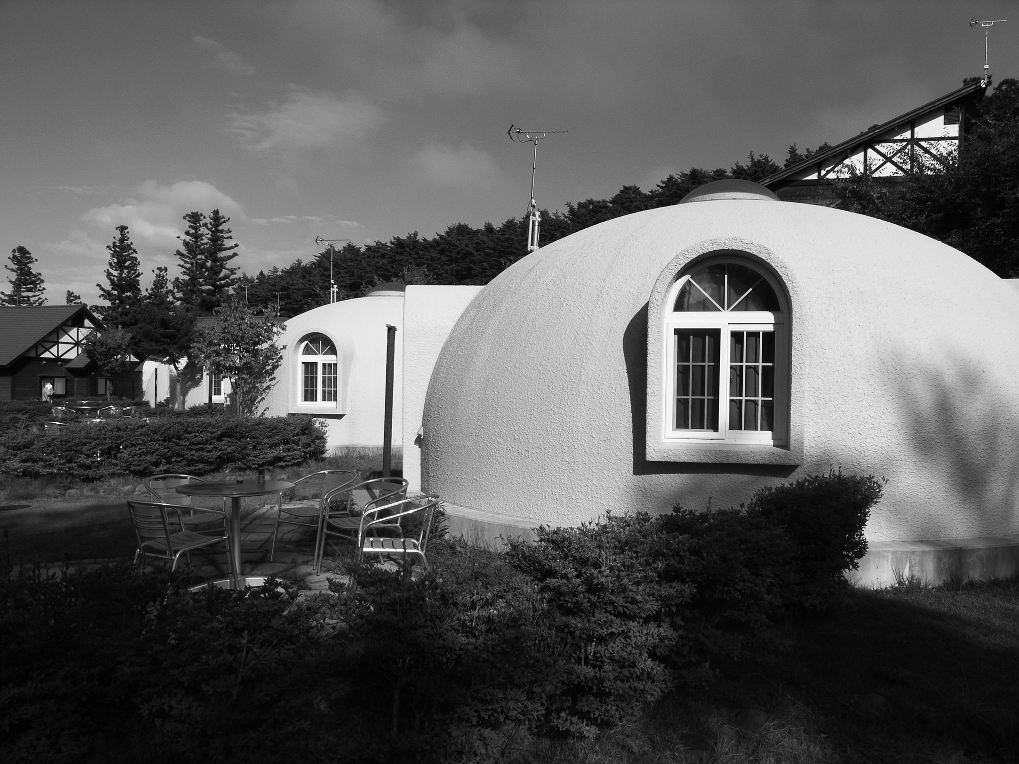 Dome houses, features and efficiency