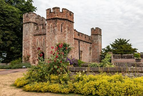 castle dunster exmoor tenantshall gatehouse ancient building architecture tower garden somerset nationalpark landscape