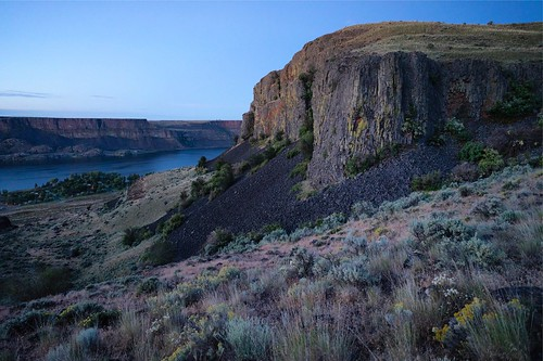 hiking washington statepark bankslake grandcoulee channeledscablands desert sunrise