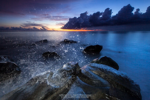 blue sunset sea sky color water rock canon photography iso100 landscapes seascapes 1740mm lightroom fangshan colorphotoaward aperturef8 manfrotto055xpro 5d2 manfrotto410rc