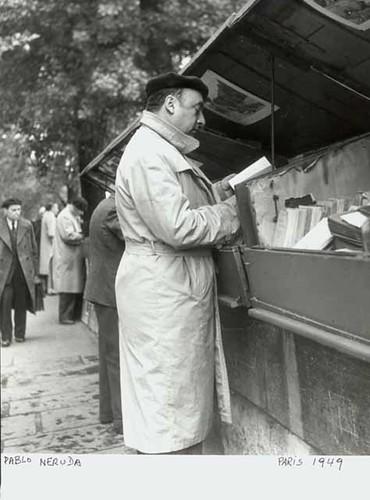 Pablo Neruda en Paris 1949, de la Coleccion del Museo Historico Nacional