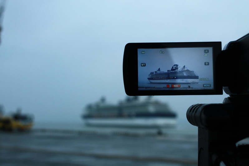 By the camera - Paquebot Celebrity Constellation au Port de Bordeaux / Le Verdon - 06 octobre 2012