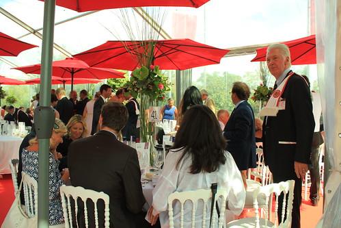 圖07.Saint-Emilion葡萄酒節餐會,隆重且正式