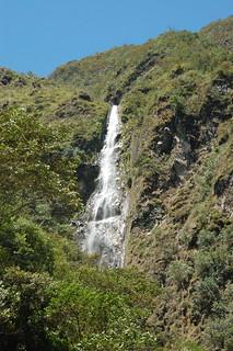 Waterfall (Velo de la Novia/Ducha de Diablo?) in Valle de Chanchamayo, Junín, Peru | by blueskylimit