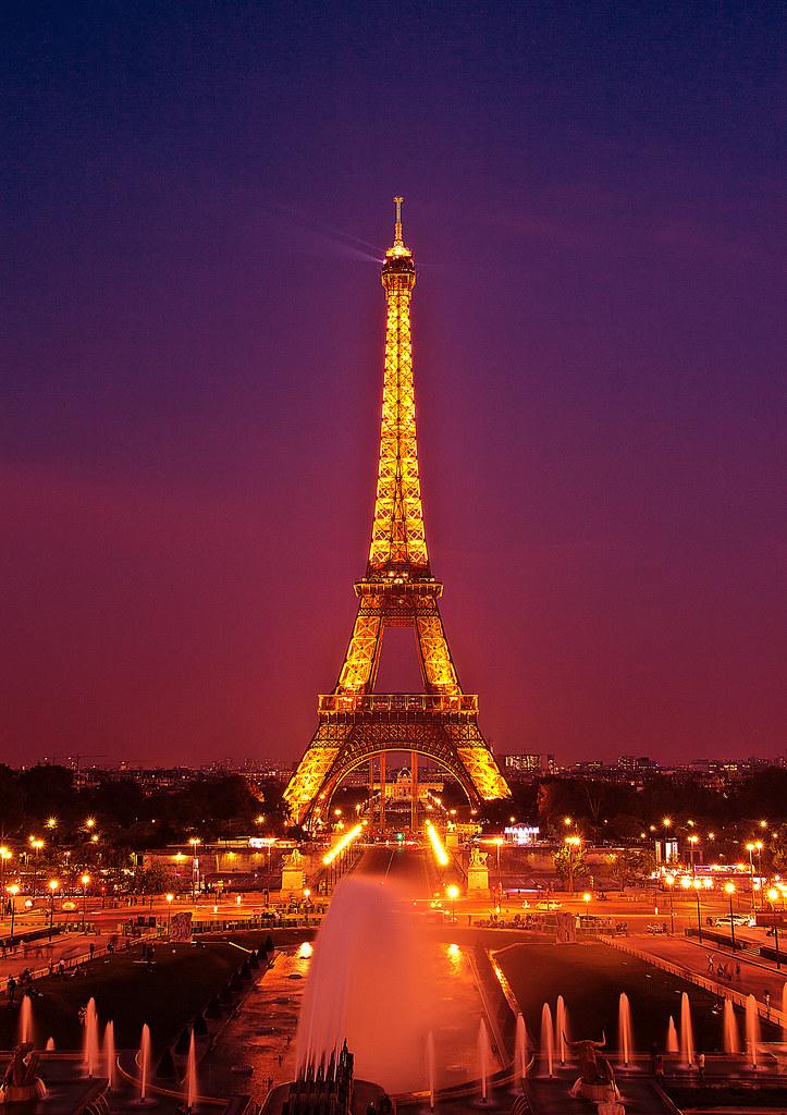 Paris La Ville De L Amour Der Eifelturm Kurz Nach Sonnenun Flickr