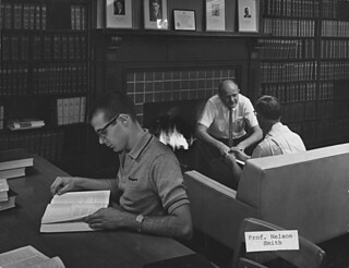 Will Connell photo of the science library in Mason Hall in 1950, with Professor R. Nelson Smith '38 in the background. Smith taught in Pomona's Chemistry Department from 1945 to 1982.