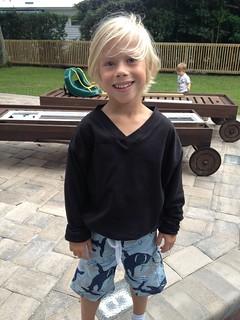 Pauley's pullover size 6-7 in black interlock