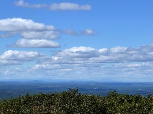 mountain clouds newengland wachusettmountain