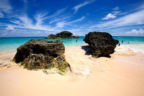 ocean blue sea vacation sky sun beach clouds swim bay sand rocks paradise surf waves getaway horizon bermuda horseshoe whitesand nikonflickraward