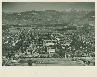 Aerial photo of Pomona College in 1936