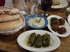 土, 2012-09-22 18:26 - Babaganouj, pita, dolma, falafel