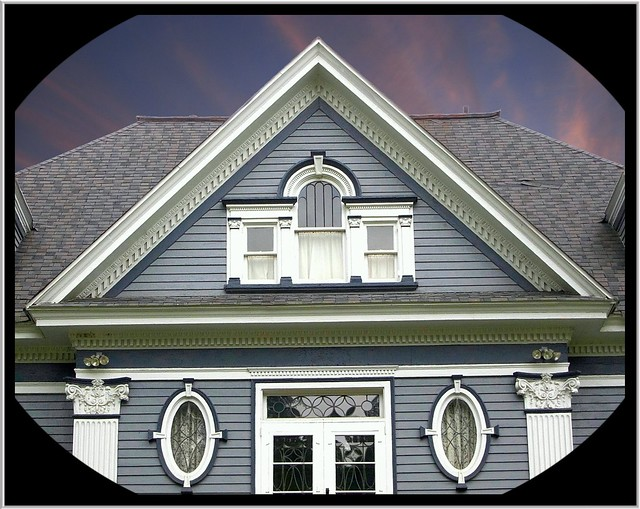 Warren Pa ~  Pediment View ~ Horton House ~ Historic