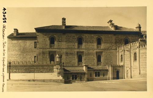 Paso curvo y edificio de Capuchinos junto al Alcázar. Fotografía de Loty en los años 20. © Diputación de Toledo