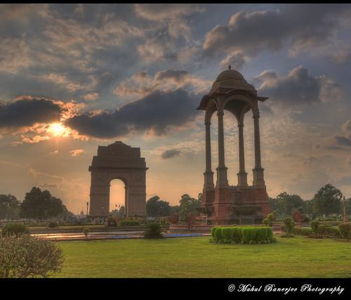 india architecture gate hdr newdelhi 2012 indiagate edwinlutyens presidentshouse rashtrapatibhawan britishraj amarjawanjyoti mukulbanerjeephotography ©mukulbanerjeephotography