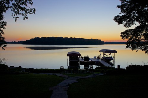 lake sunrise island boat dock michigan sony orchardlake apsc nex7 sel24f18z e24mmf18za gettyimagesjapan12q3 gettyimagesjapan12q4 ©jakejung