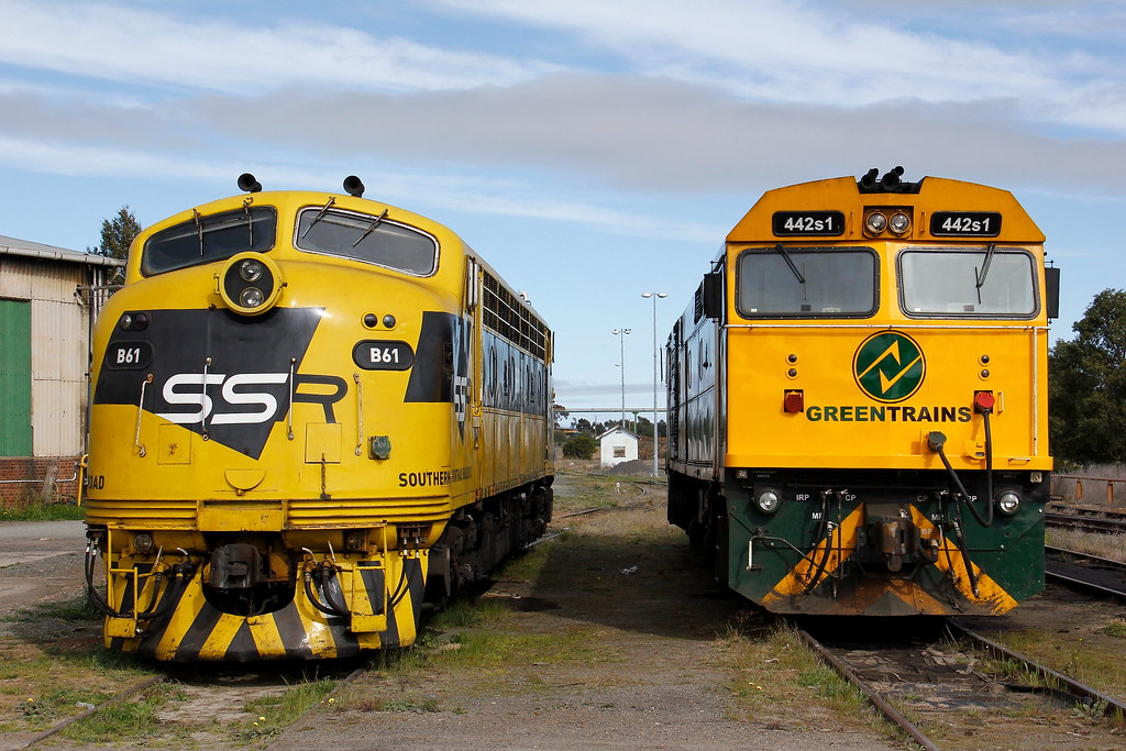 B61 442s1 Parkes Loco NSW by Robert Cook