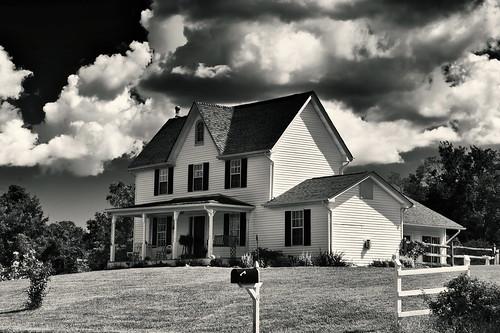 blackandwhite bw clouds hauntedhouse oldfarmhouses hunntingtown smokyroad calvertcountyrealestate
