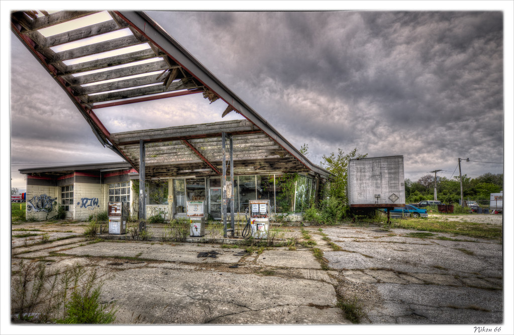 Phillips 66 Gas Station by Nikon66