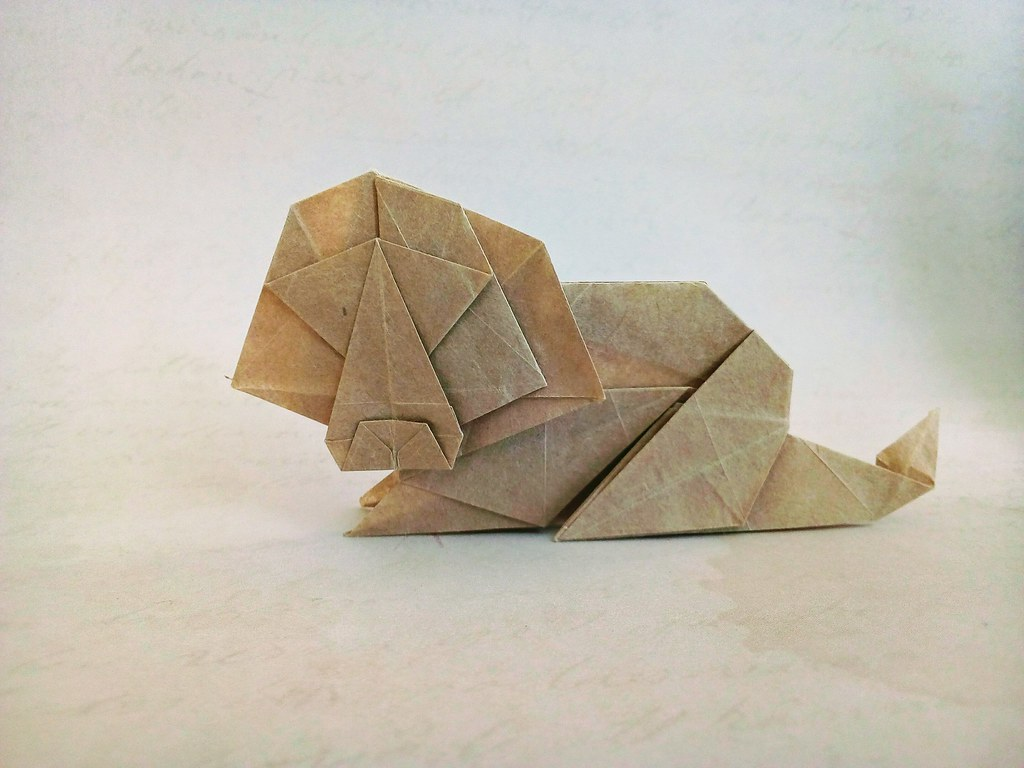 Step instructions how to make origami a lion Vector Image | 768x1024