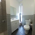 600 Suite Bathroom