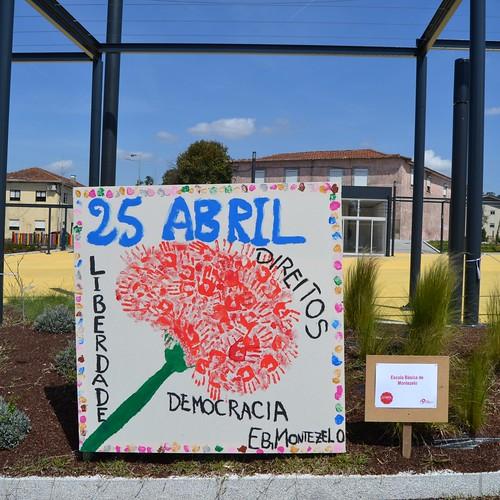Telas de Abril realizadas pelas Escolas