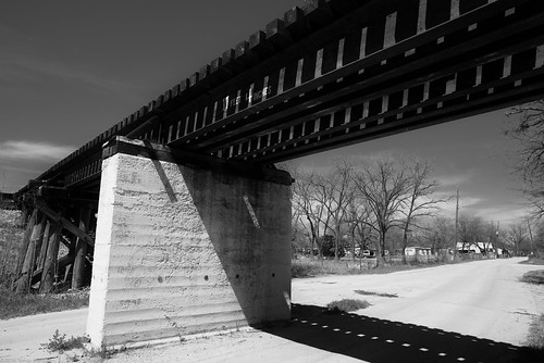 tx faketmax spring d750 road bridge redfilter smalltown availablelight roadtrip blackandwhite ushwy190 afnikkor24mmf28d landscape nikon centraltx austin usa
