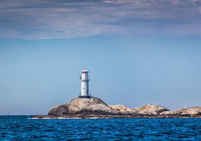 Tjurholmsknappen lighthouse