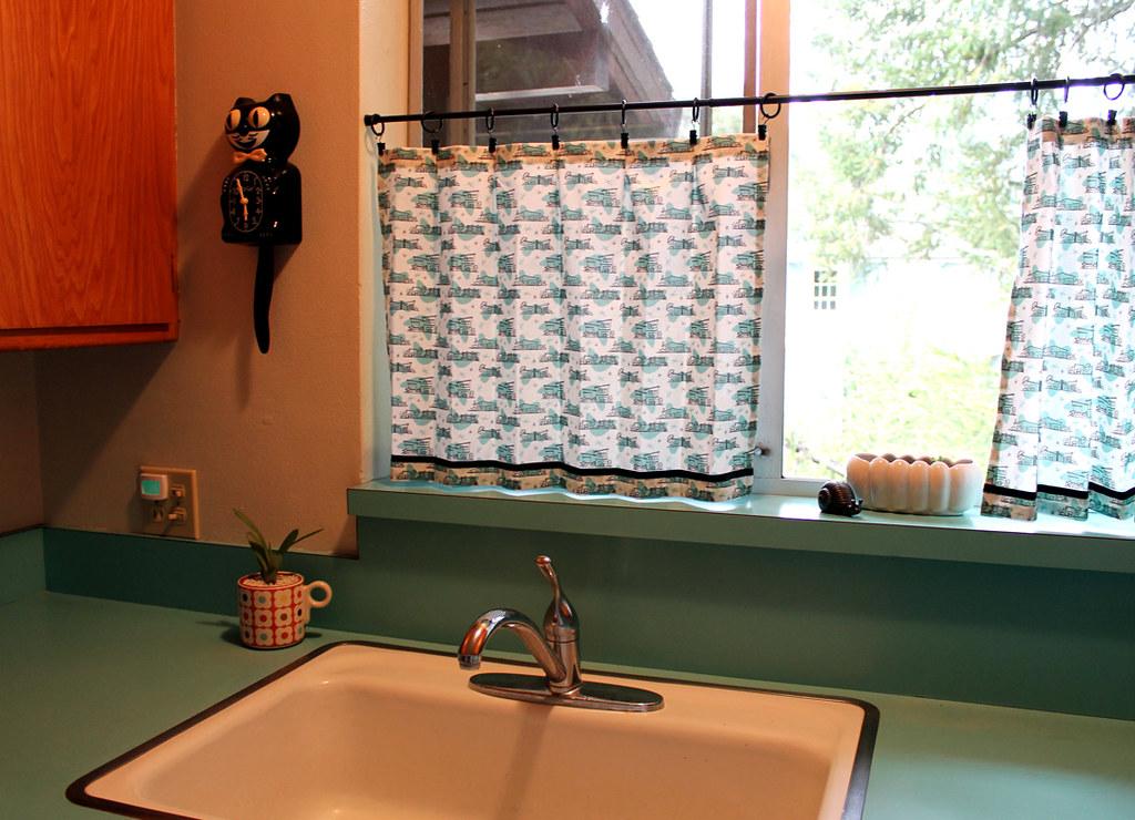 Retro Kitchen Cafe Curtains By Vitaminihandmade Blogspot C Flickr